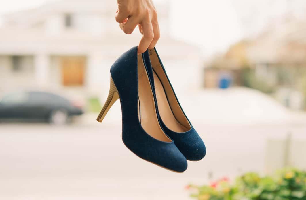 靴 匂い スエード 洗い方