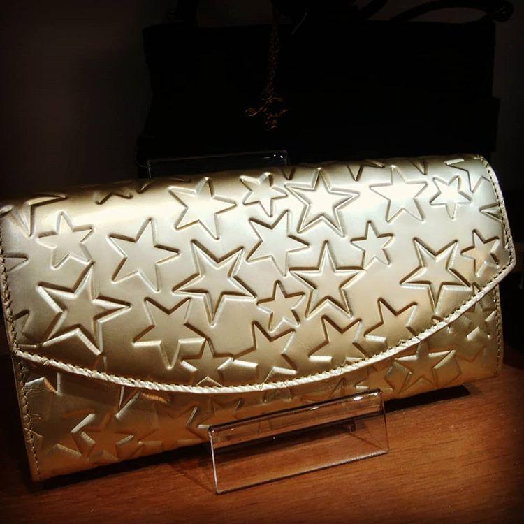風水 金色財布
